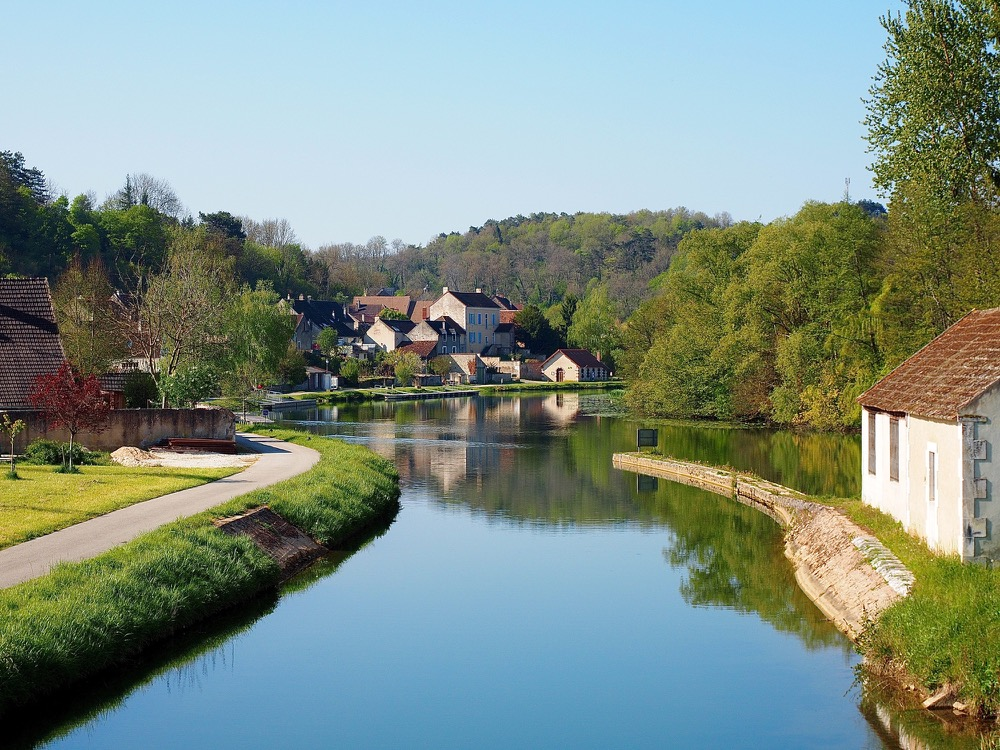 Mailly-la-Ville - canal